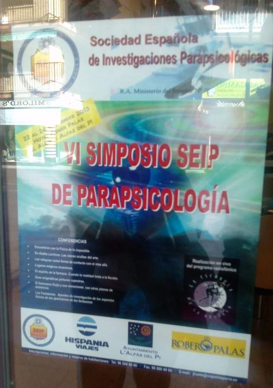 cartel simposio cazafantasmas