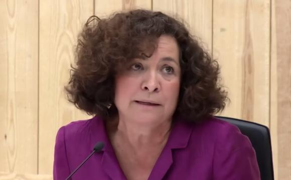 Pilar Aranda durante el debate